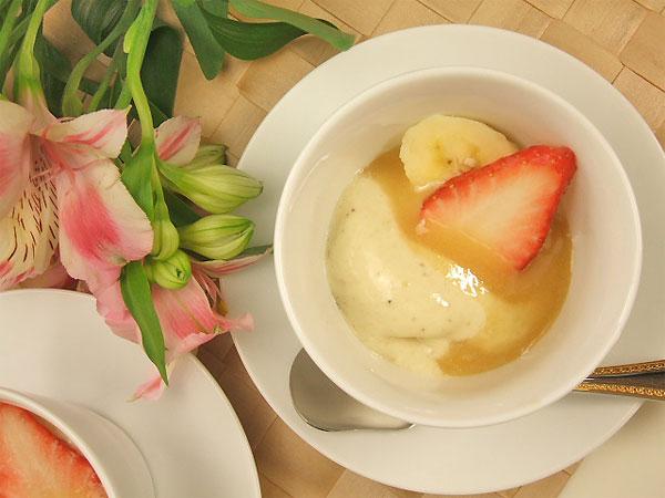 ハチミツレシピひんやりバナナクリームのホワイトマリーはちみつソース2