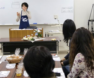 NHK文化センター栄チーズとはちみつの講座100227a