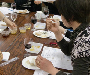 NHK文化センター栄チーズとはちみつの講座100227d