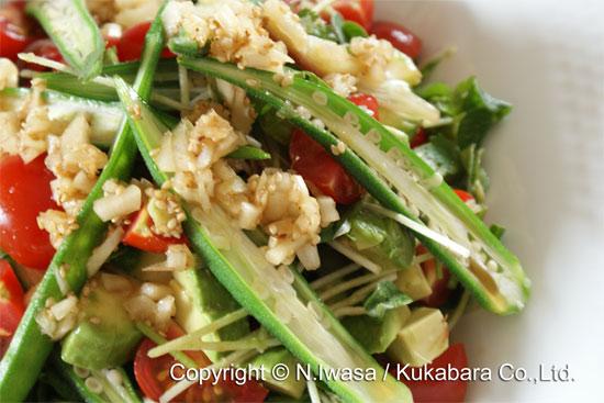 はちみつ入りアジア風ドレッシングで食べる夏のサラダ2