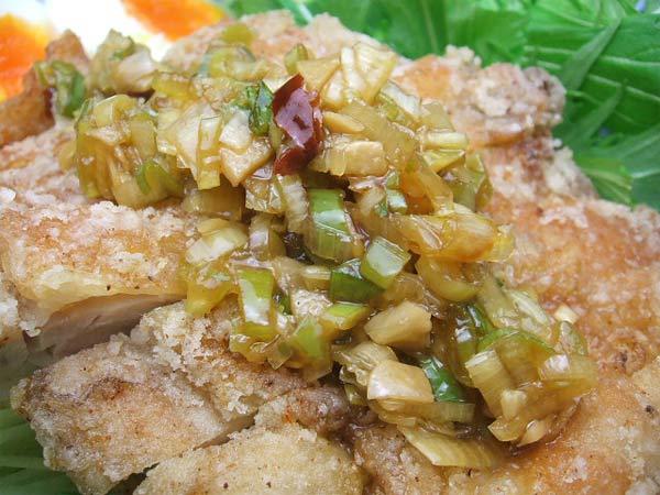 はちみつを使ったアイデアいろいろマヌカはちみつの特製ダレで食べる油淋鶏2
